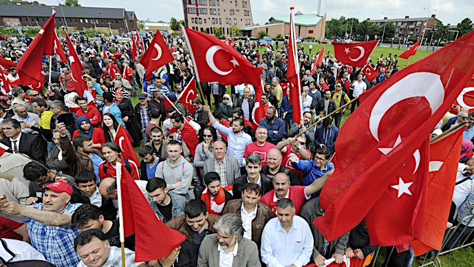 Kamervragen over turks protest tegen armeens genocide for Turkse reisbureau den haag