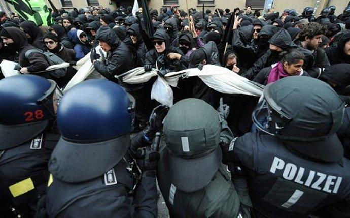 Betogers tegen kapitalisme, 31 maart 2012 in Frankfurt