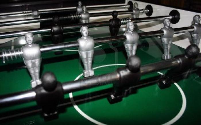 2405414-een-macro-van-de-mannetjes-op-een-tafelvoetbal