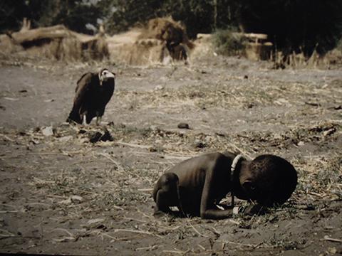 Kevin Carter 1993 Soedan_480